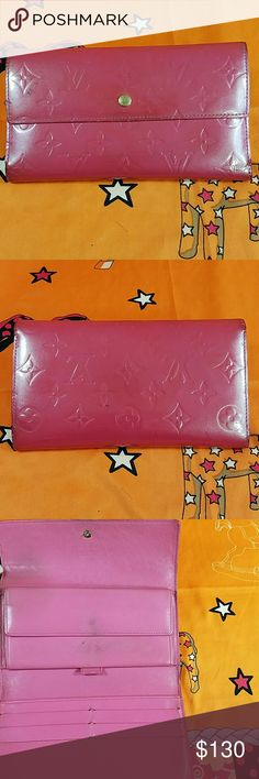 Auth.Louis Vuitton Vernis Pink Internation Wallet The canvas & inside showed wearing. CC slots,  bill, & coins pockets. Date code 0925. Dimension 4, 7.5, & 1. It made in France. No trade please. Louis Vuitton Accessories