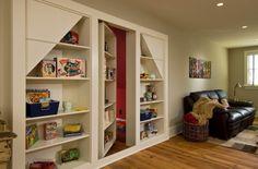 Потайная комната за шкафом с сувенирами