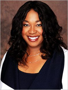 Shonda Rhimes (writer of Grey's Anatomy) talks about her obsession with Doctor Who. Her love for Davies, Tennant, Smith and Barrowman (who she wants to stalk till the end of time!) :)