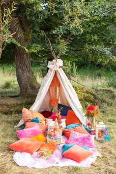 Gypsy Love: Inspirationen für eine entspannte Tipi Hochzeit | Hochzeitsblog The…