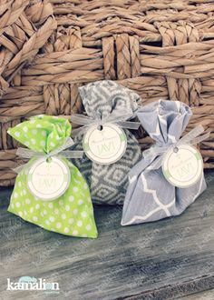 www.kamalion.com.mx - Recuerdos / Favors / Detalles Personalizados / Vintage / it's a boy / baby shower / verde y gris / green and gray / Bolsitas de dulces / Fabric / Tela / Bolsitas de tela.