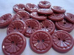 25 Vintage plastic buttons, all the same pattern, 2 sizes.  SLVT11.12-29(1) on Etsy, $5.50