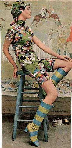 shorts suit and boots decades мода, ретро и винтаж 60s And 70s Fashion, Seventies Fashion, Look Fashion, Retro Fashion, Vintage Fashion, Womens Fashion, Vintage Chic, Mode Vintage, Vintage Looks