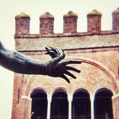Oggi siamo a #Bologna per sostenere @igersbologna @turismoer e @twiperbole per il concorso fotografico #WikiLovesBologna - Instagram by @igersrimini
