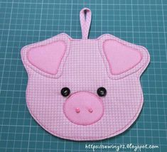 Mug Rug Patterns, Potholder Patterns, Felt Patterns, Sewing Patterns Free, Floral Embroidery Patterns, Baby Embroidery, Pig Crafts, Diy And Crafts, Fabric Crafts
