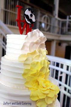 Baltimore Wedding Cake. Utz Girl, Mr. Boh, Baltimore Love Project. Maryland Weddings.