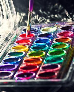 rainbow water colours and awesome photography World Of Color, Color Of Life, Dibujos Zentangle Art, Atelier D Art, Over The Rainbow, Rainbow Water, Rainbow Food, Art Classroom, Maya Angelou