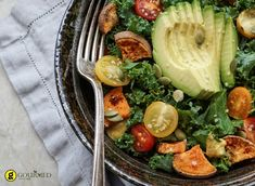 kale roasted yams and avocado salad on stone background Paleo Recipes, Real Food Recipes, Clean Eating Plans, Whole 30 Diet, High Fiber Foods, Food Now, Food Lists, Paleo Diet, Paleo Soup