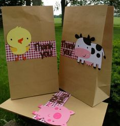 Barnyard Farm Animal Bash Goodie Bag set of 10 ( Colors and animals can be altered ) Farm Animal Party, Farm Animal Birthday, Cowgirl Birthday, Cowgirl Party, Farm Birthday, 3rd Birthday Parties, Birthday Ideas, Farm Themed Party, Barnyard Party
