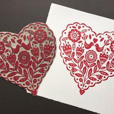 My heart print along side the inked lino, available from my Etsy Shop, ClaireMcKayDesigns. . . #linoprint #linocut #printmaking #heart #blockprint #reliefprint #scandi #valentinesday #valentines #valentine #print #handmade #etsyshop