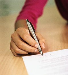 Hoy os vamos a dar unos consejos para que sigáis durante los exámenes.  1.No vayas con el tiempo muy justo al examen. 2.Comprueba que llevas el material necesario para el examen. 3.Usa el tiempo sabiamente. No te detengas demasiado en cada pregunta.  4.Piensa que es el momento de demostrar lo anteriormente estudiado. 5.Lee las instrucciones y las preguntas cuidadosamente.  6.Busca claves en tu examen. Muchas veces hay respuestas escondidas en ellos.    #estamosdeexamen