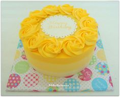 Ombre yellow buttercream cake...