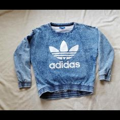 Adidas Sweatshirt M Excellent Condition. Worn 3 times max. Adidas Sweaters