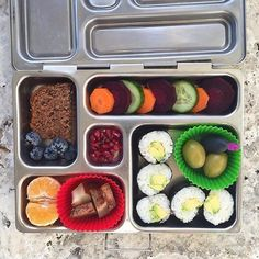 Love these sushi rolls from @amandaswholesomekitchen!  #planetbox #lunchbox…