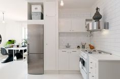 compact studio apartment, styled by Swedish decorator Jimmy Schönning #kitchen