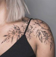 Charming Shoulder Tattoo Designs For Women shoulder tattoos; small tattoos for women. small tattoos for women. Fake Tattoos, Hot Tattoos, Trendy Tattoos, Small Tattoos, Tatoos, Mini Tattoos, Woman Tattoos, Cross Tattoos, Dragon Tattoos