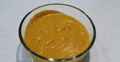 Smíchejte kurkumu, jablečný ocet a pepř. Přidejte citronovou kůru a med. Dobře promíchejte dohladka. Tutosměs držte v uzavřené skleněné nádobě a vždy v lednici!Pro prevenci nachlazení, sezónní alergie a anti-karcinogenní účinky, je nutné použít 1 polévkovou lžíci každé ráno. Pokud máte pocit, že jste nemocní, tak směs vám jistě přijde vhod! Jíst 1/2 lžičky směsi … Peanut Butter, Pudding, Cheese, Health, Desserts, Food, Lemon, Syrup, Turmeric
