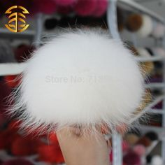 45.00$  Watch now - http://alio96.worldwells.pw/go.php?t=1480274844 - Super Jumbo Raccoon Fur Pom Poms  Key Chain Fur Hats In Winter For Women Children Hats Carves Kintted Caps Hats 45.00$