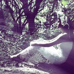 #throwback to this #concept #shoot in a park! #white #forest #pristine #nature #blogger #bbloggers #beauty #fashionista #fashiongram #beautyblogger #mirrorsndreams #mirrorsanddreams #fashion #fashionblogger #blog #indianfashionblogger #indianblogger #indianblog #indianbeautyblog #indianfashionblog