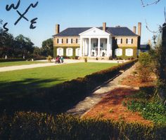 Boone Hall Plantation in South Carolina where Ryan Reynolds and Blake Lively wed...also very close to home for me!
