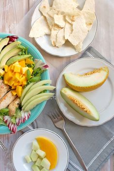 Sałatka z kurczakiem | SMYKWKUCHNI Fresh Rolls, Cantaloupe, Mango, Fruit, Ethnic Recipes, Food, Manga, Essen, Meals