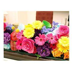 . . 色鮮やかなビビッドカラーが とってもおしゃれ♡ 招待したゲストの方も 見ているだけで元気に! . #flowerwalkpopo #富山県 #花嫁準備 #プレ花嫁 #結婚式準備 #結婚式 #ウェディング #テーマウェディング #オリジナルウェディング #キャナルサイドララシャンス #ララシャンス#花屋 #花 #メイン装花 #会場装花 #カラフル #ポップ #明るい #可愛い #ブライダル #wedding #weddingflowers #bride #bridal #bridalflowers #instflower #flowerstagram #flowerpic#colorful