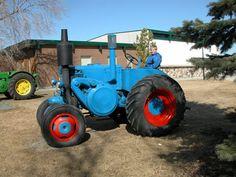 antique tractors | Open House 2004: Antique Tractors / Blue One