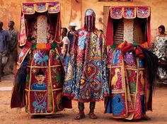 Nigerian Yoruba men dressed as voodoo spirits perform during a voodoo ceremony in Ouidah, Benin. Each spirit represents the reincarnation of a dead member of the Nigerian Nagu clan Voodoo 'spirits'. African Culture, African Art, African Voodoo, Nigerian Culture, African Life, African Masks, National Geographic, Cotonou Benin, Afrique Francophone
