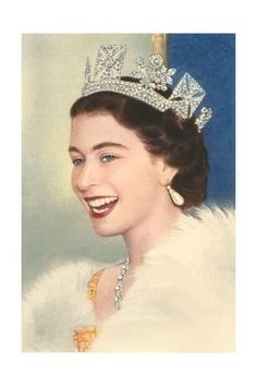 Queen Elizabeth II- love this pic of her! June 3013 - Queen and royal family attend service of celebration to mark 60 years since Queen Elizabeth II was crowned Lady Diana, Windsor, Corona Real, Young Queen Elizabeth, Princess Elizabeth, Queen Elizabeth Jewels, Princess Margaret, Die Queen, Estilo Real