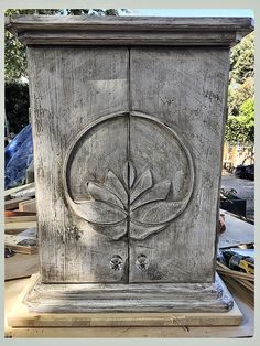 Buddhist Practices, Pooja Rooms, Nature Center, Wall Art Quotes, Alters, Wall Art Decor, Temple, Furniture Design, Boxes