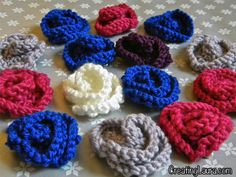 Little Knitted Flowers, free pattern from Creating Laura