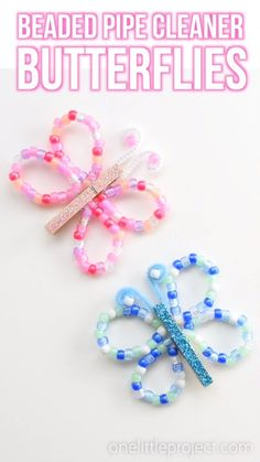 These beaded pipe cleaner butterflies are SO PRETTY and they& really easy to make! This is a great kids craft for spring or summer! Using pipe cleaners, pony beads and clothespins you can make beautiful butterflies in different colours! Diy Crafts For Girls, Spring Crafts For Kids, Fun Diy Crafts, Diy For Kids, Simple Crafts, Baby Crafts, Kids Arts And Crafts, Easy Kids Crafts, Wood Crafts