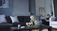 36 Amazing Dark Living Room Designs