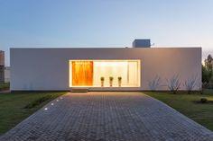 VISMARACORSI ARQUITECTOSが手掛けたtranslation missing: jp.style.家.modern家デザインです。こちらでお気に入りの家デザインを見つけて、自分だけの素敵な家を完成させましょう。
