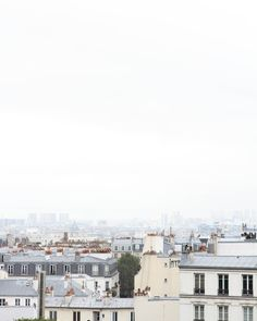 The Everygirl Paris Photograph - Montmartre // #giftguide #budgetfriendly
