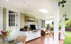 Outdoor entertaining | Hawaii Home + Remodeling