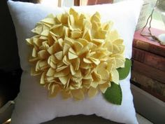 DIMENSIONAL FLOWER IDEA - Beautiful felted pillow cushion - nice colors