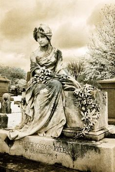 Elmwood Cemetery- Memphis, Tennessee | Paula Cravens Photography
