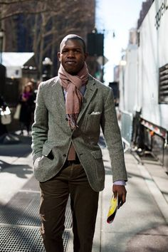 On the Street……Sixth Ave. NYC (yeah, that's right NYC!!!! Back in da House!!….oops, This Title is Far Too Long….Oh, Happy Valentines Day) « The Sartorialist