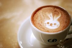 """what kind of espresso coffee which called latte art ? Probably not many people who never heard the word """"Latte Art"""" but as Coffee Lovers wo. Coffee Art, My Coffee, Coffee Time, Morning Coffee, Coffee Shop, Sweet Coffee, Tea Time, Chocolates, Somebunny Loves You"""
