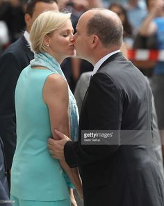 Prince Albert II and Princess <a gi-track='captionPersonalityLinkClicked' href='/galleries/personality/726115' ng-click='$event.stopPropagation()'>Charlene</a> of Monaco kiss while visiting the Brandenburg Gate on July 9, 2012 in Berlin, Germany. Prince Albert II and Princess <a gi-track='captionPersonalityLinkClicked' href='/galleries/personality/726115' ng-click='$event.stopPropagation()'>Charlene</a> are visiting Berlin and tomorrow will continue to Stuttgart.