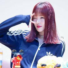 Extended Play, Kim Ye Won, Jung Eun Bi, Gfriend Yuju, G Friend, South Korean Girls, Kpop Girls, Idol, Queen