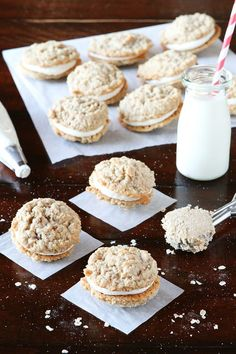 These homemade Oatmeal Buttercream Pies from Snelson Snelson (Kevin and Amanda) sound absolutely delicious! Can't wait to make these with the kids! Cookie Desserts, Just Desserts, Cookie Recipes, Delicious Desserts, Dessert Recipes, Yummy Food, Yummy Treats, Sweet Treats, Oatmeal Cream Pies