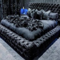 A room should never allow the eye to settle in one place. It should smile at you and create fantasy home decor decoration salon decoration interieur maison Dream Bedroom, Home Bedroom, Master Bedroom, Bedroom Decor, Black Bedroom Design, Minimalist Bedroom, Luxurious Bedrooms, Bed Frame, Home Furniture