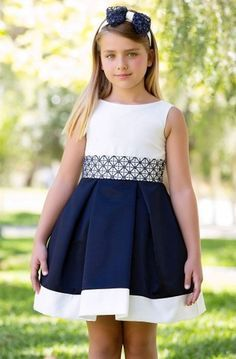 vestidos niñas 8 años - Buscar con Google Cute Little Girl Dresses, Dresses Kids Girl, Girls Party Dress, Kids Outfits, Flower Girl Dresses, Frocks For Girls, Kids Frocks, Toddler Dress, Baby Dress