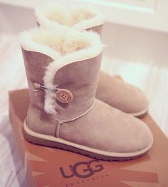 UGG's Winter Boots, Sock Shoes, Ugg Boots, Uggs