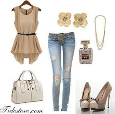 Love this outfit very classy and cute for fall!