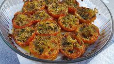 Les tomates comme je les aime. S'accommodent avec le poisson, la viande, des oeufs. Pour 4 personnes 6 tomates mûres 1 bouquet persil 3 ou 4 gousses d'ail 1 c à c d'origan 50 g chapelure huile d'olive sel et poivre Laver et couper en 2 les tomates. Les...