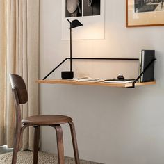 Home office essentials including desks, office chairs and task lighting Svalnäs Ikea, Home Office Inspiration, Mesa Sofa, Foldable Table, Desk Tidy, Wall Desk, Office Furniture Design, Office Essentials, 10 Essentials