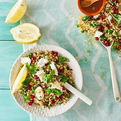 Boodschappen - Bulgursalade met mozzarella en granaatappel Mozzarella, Food Blogs, Lunches, Cobb Salad, Quinoa, Veggies, Vegan, Cooking, Ethnic Recipes